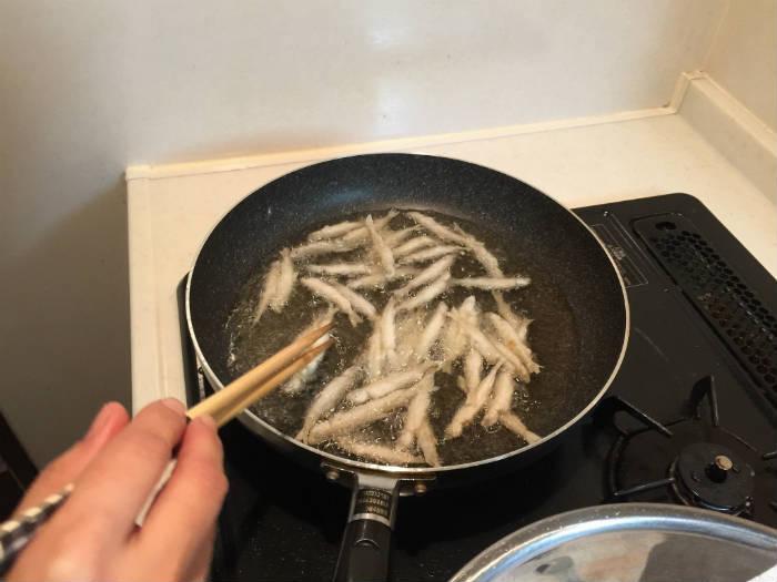 片栗粉で揚げ物中