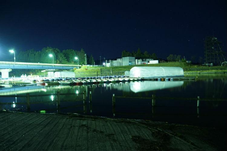 明ける前の高滝湖桟橋